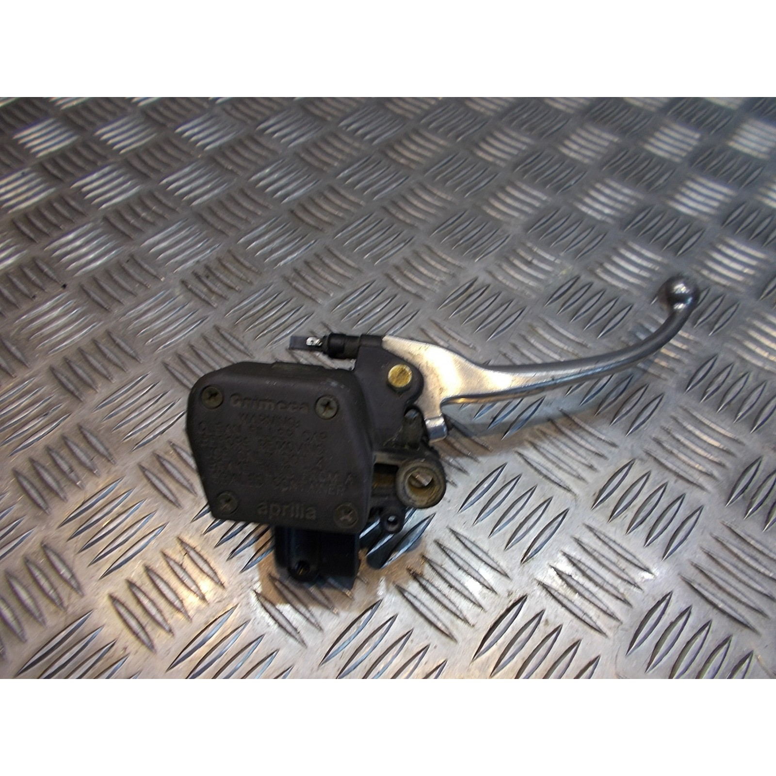 maitre cylindre frein avant scooter aprilia 125 scarabeo zd4pca