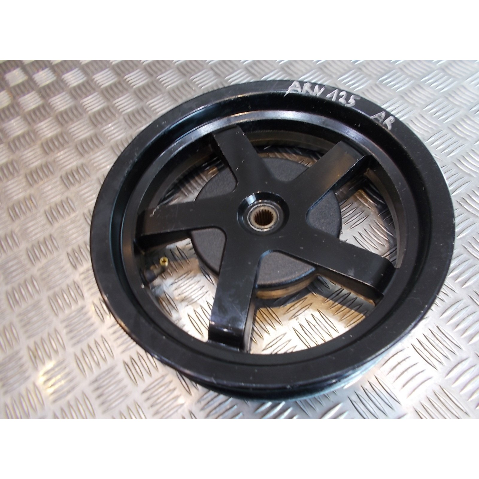 jante roue arriere scooter chinois keeway 125 arn