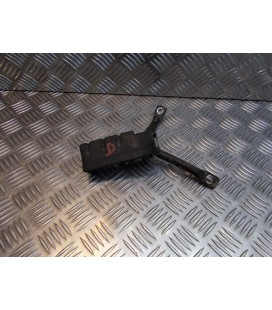 platine repose cale pied arriere droit scooter honda 125 dylan