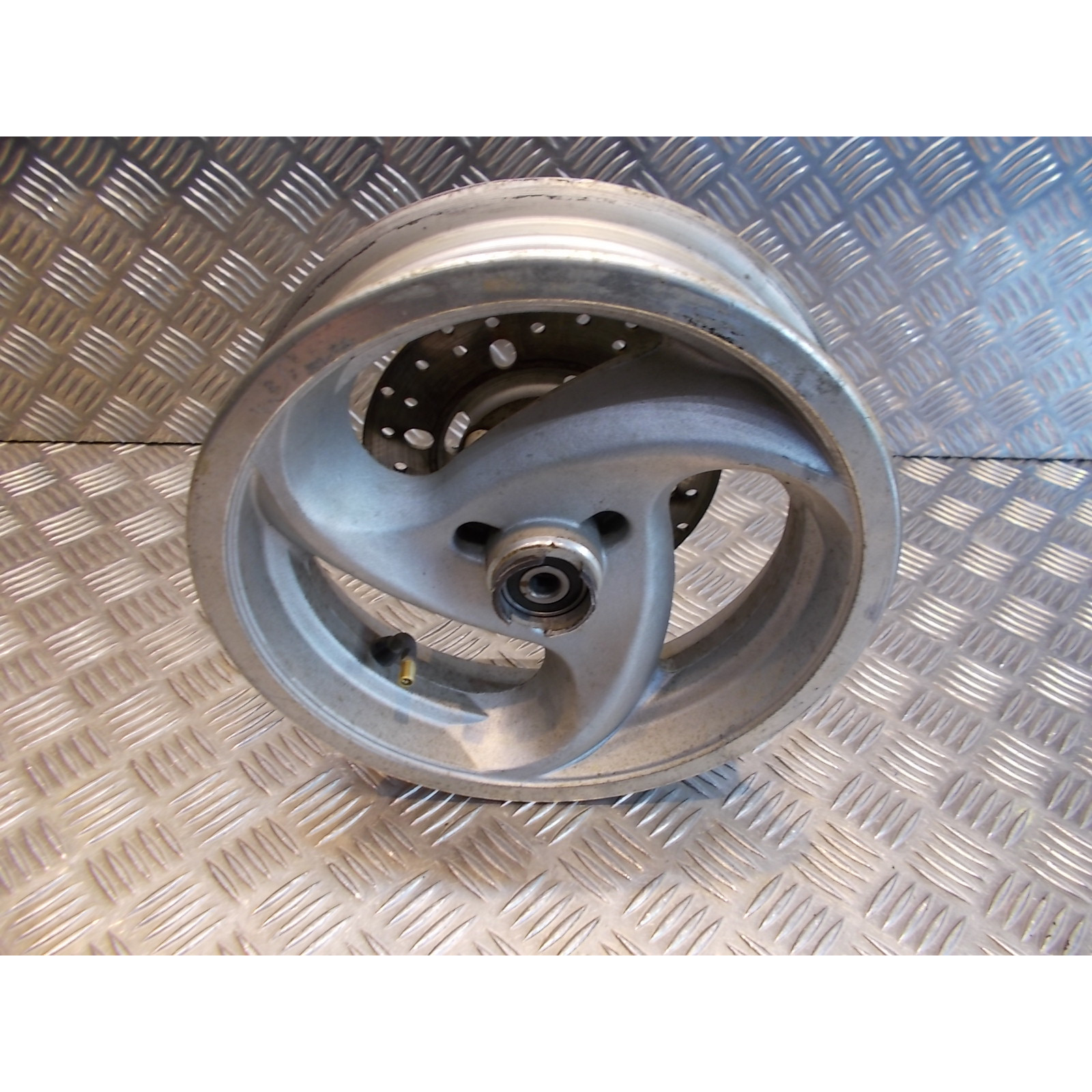 jante roue disque frein avant 10 x 2.50 scooter 50 chinois 2 et 4 temps gy6 3 branches.
