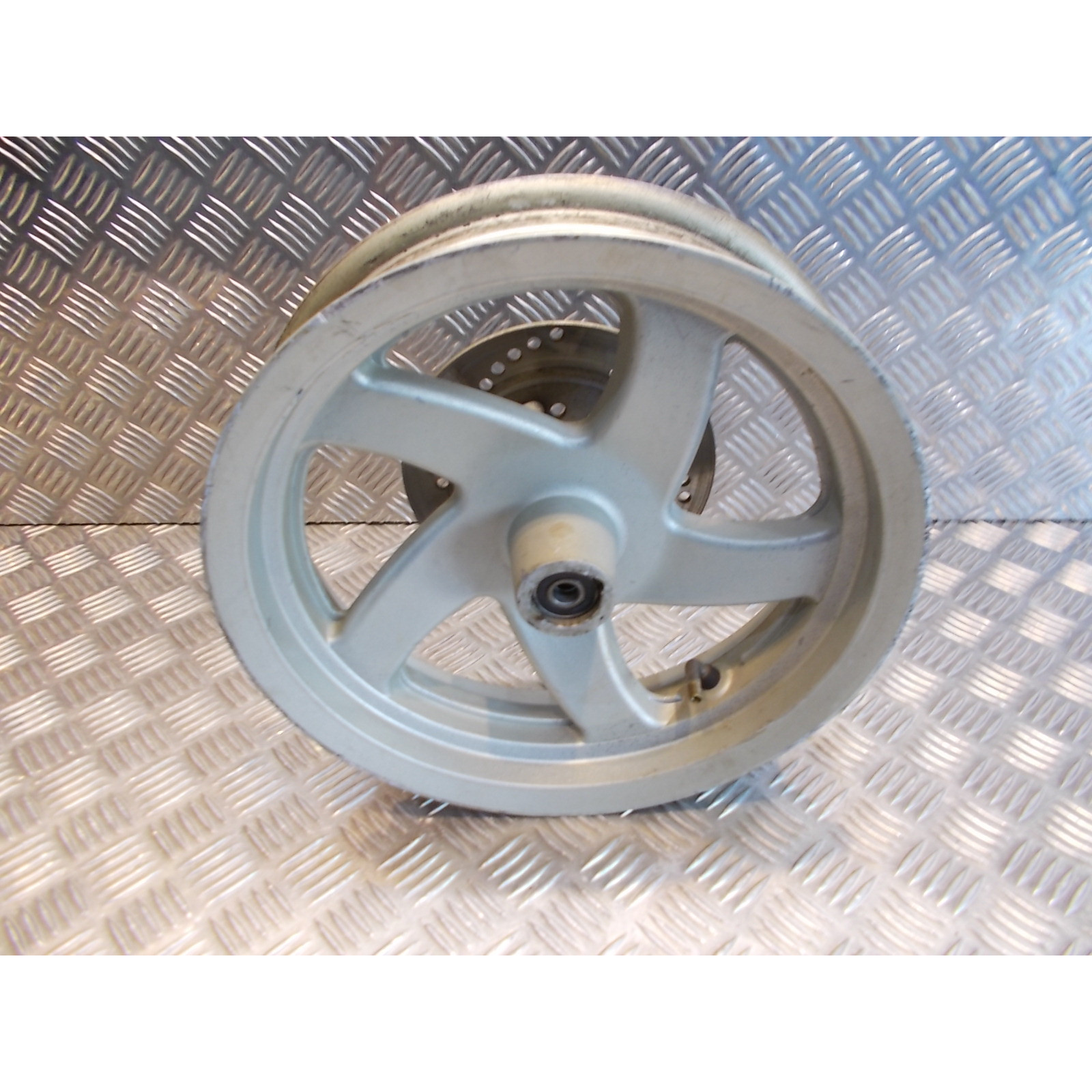jante roue arriere disque frein 2.75 x 12 scooter chinois 50 125 gy6