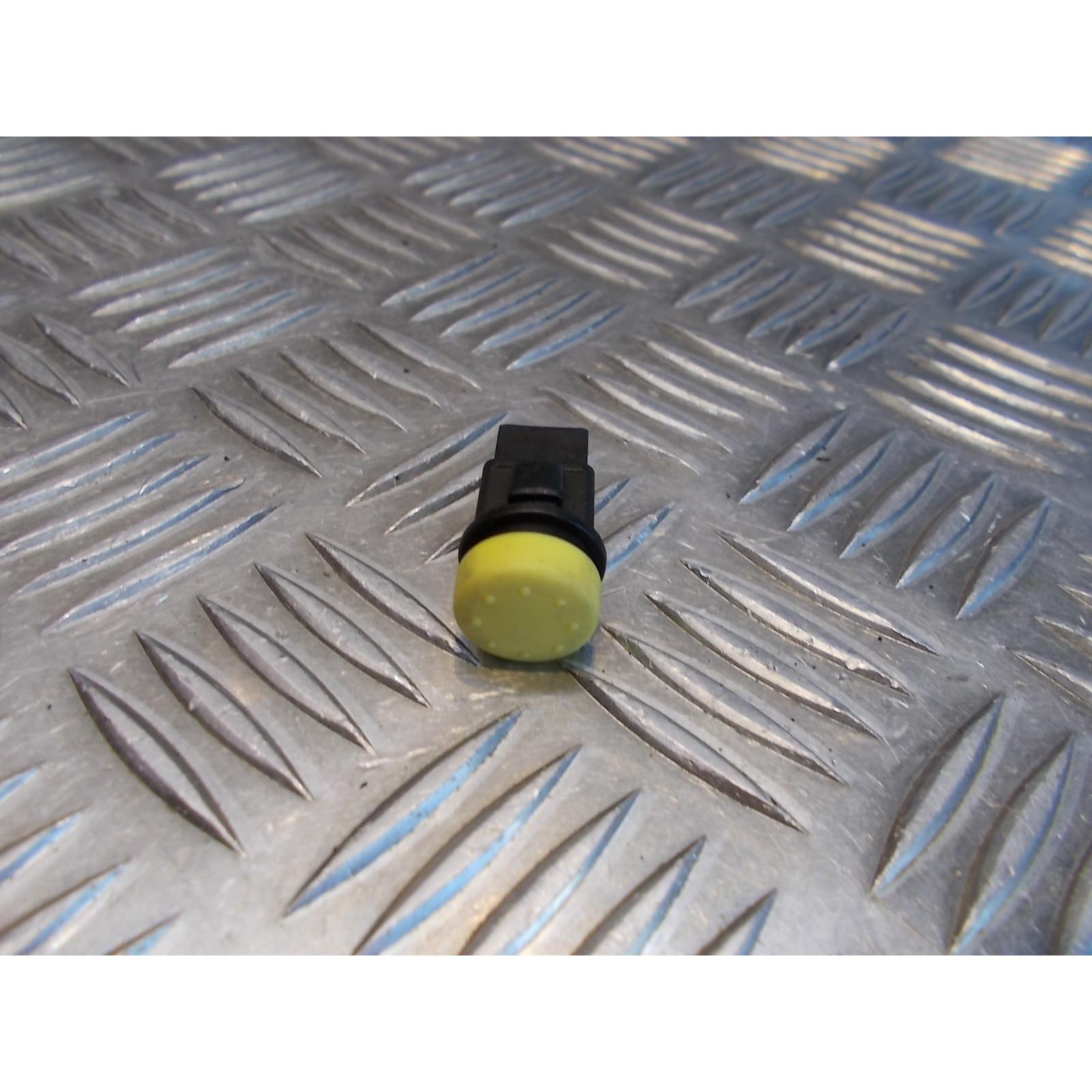 commutateur bouton jaune demarreur klaxon selle scooter piaggio 500 x9 evolution 125 200 250