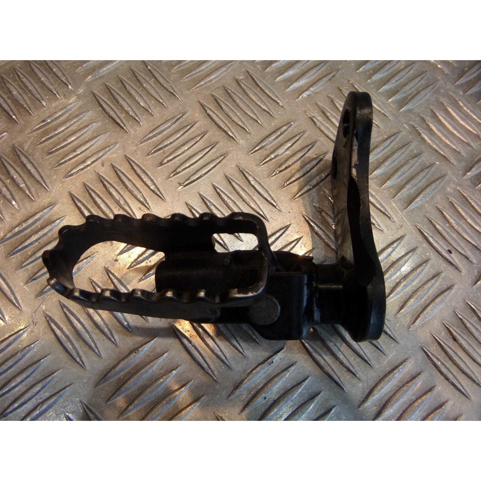 platine repose pied droit moto hyosung rt 125 karion sf41a 2004 - 06