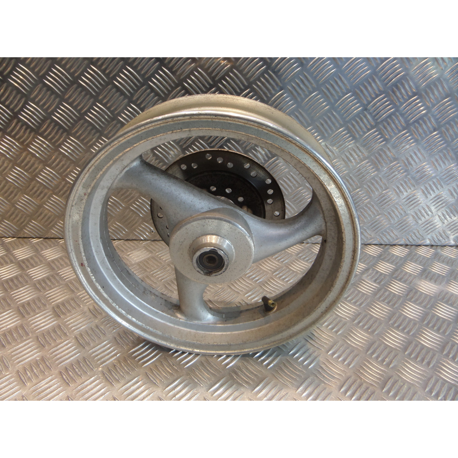 roue jante avant 2.50 x 12 disque frein scooter chinois 50 gy6 qt9 max 1368n