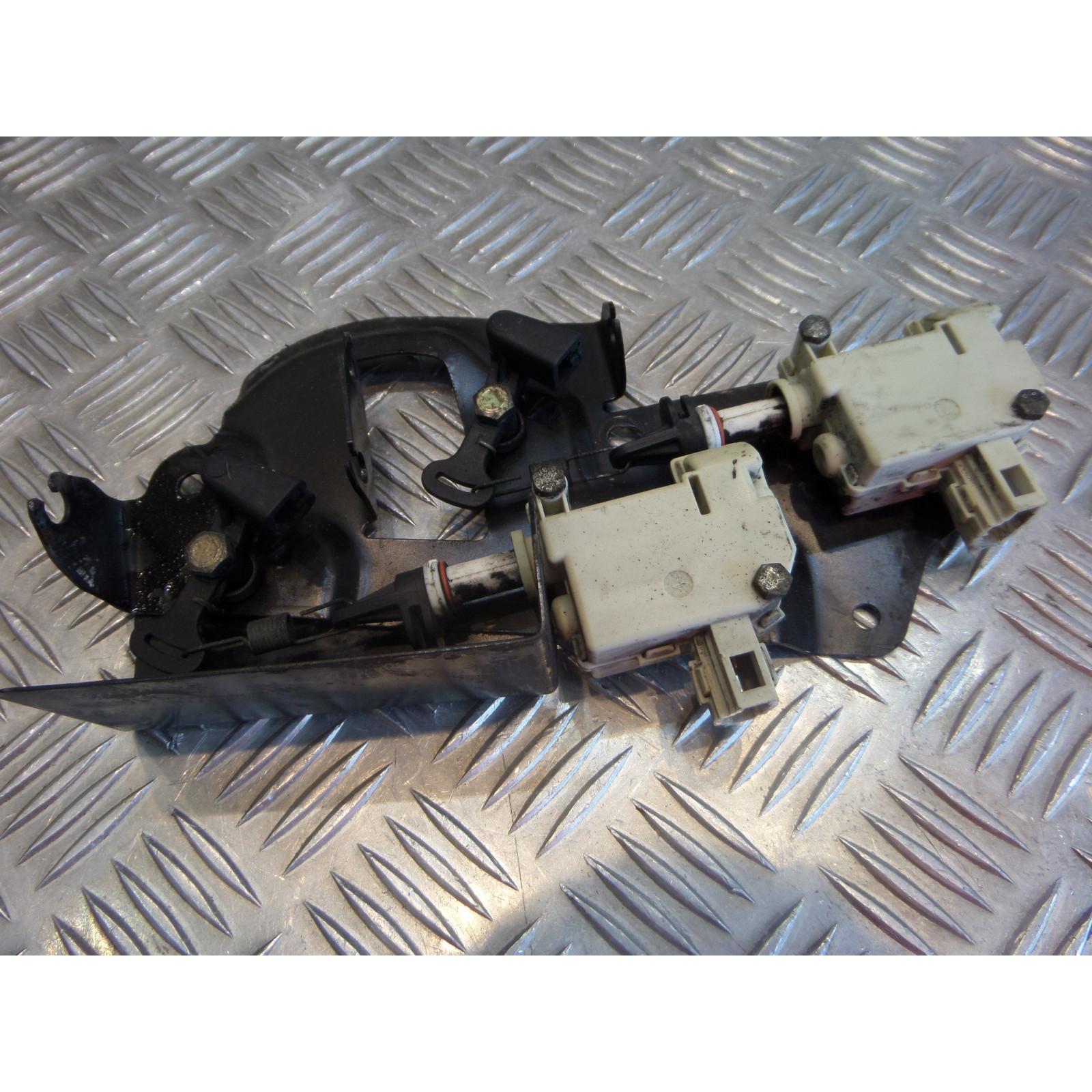 mecanisme verrouillage selle origine scooter piaggio 125 x8