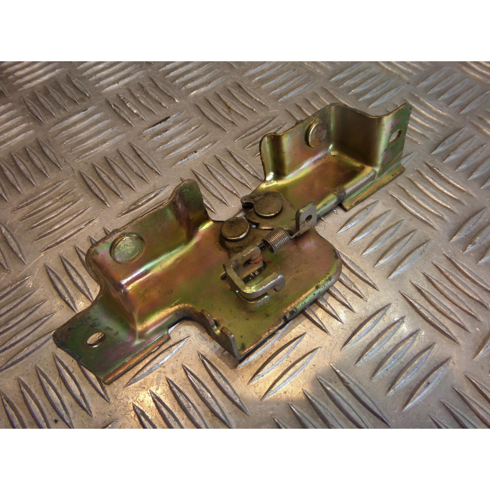 mecanisme ouverture verrouillage selle cooter sym 125 joyride