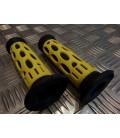 paire de poignée revêtement caoutchouc guidon 22 mm progrip 768 jaune et noir moto scooter quad